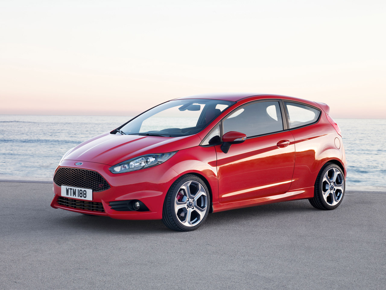 ford reveals production fiesta st autoblog. Black Bedroom Furniture Sets. Home Design Ideas