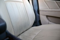 2011 Hyundai Equus Long-Term front seats
