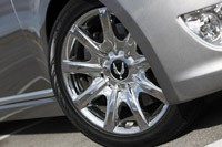 2012 Hyundai Equus wheel