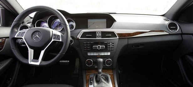 2012 Mercedes-Benz C350 4Matic interior