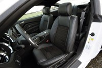 2013 Ford Mustang GT front seats