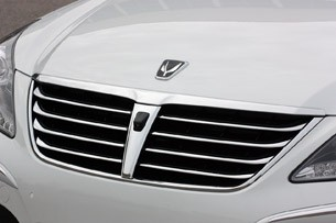 2011 Hyundai Equus Long-Term grille
