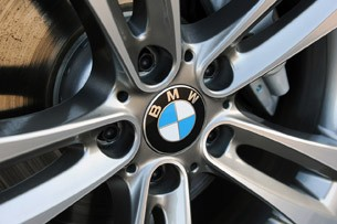 2012 BMW 335i wheel detail