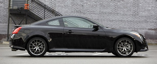 2012 Infiniti G37 IPL side view