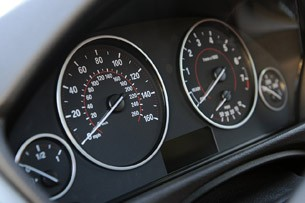 2012 BMW 335i gauges