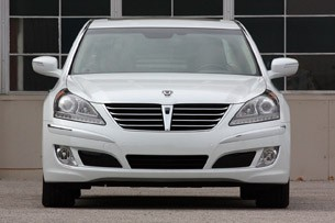 2011 Hyundai Equus Long-Term front view