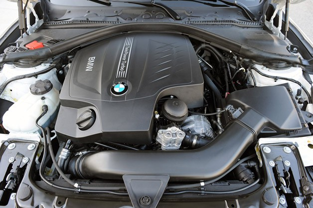 2012 BMW 335i engine