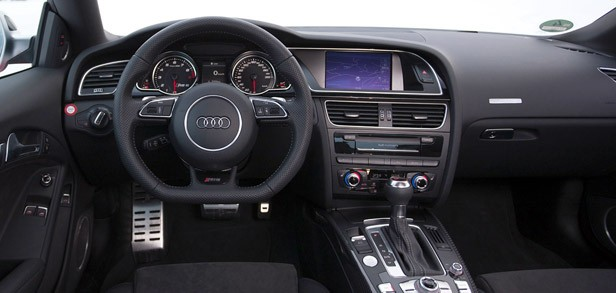 2013 Audi RS5 interior