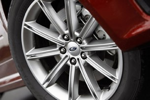 2013 Ford Flex wheel