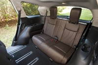 2013 Infiniti JX rear seats