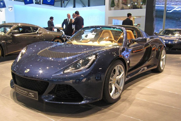 Lotus Exige S live on show floor