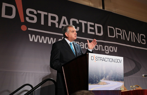 Ray Lahood speaking at Distracted Driving Summit