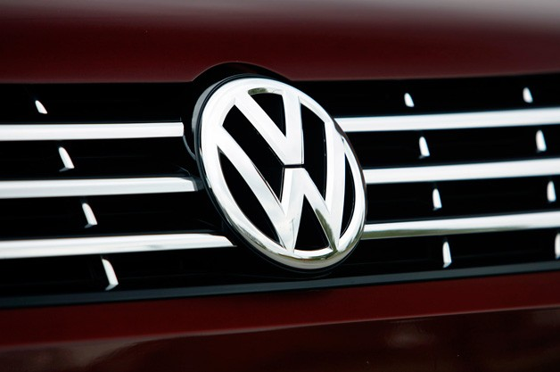 volkswagen emblem 628 UAW ramping up efforts to organize VWs Chattanooga plant