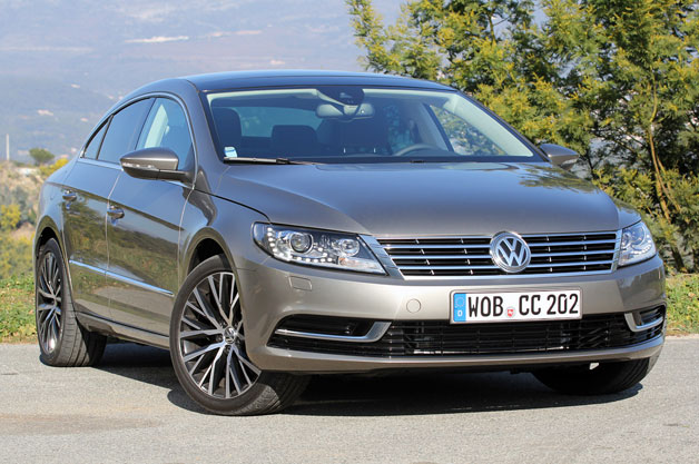 2013 Volkswagen CC front three-quarter view