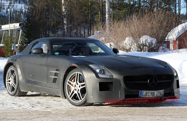 Mercedes-Benz SLS AMG Black Series cold-weather testing spy shots