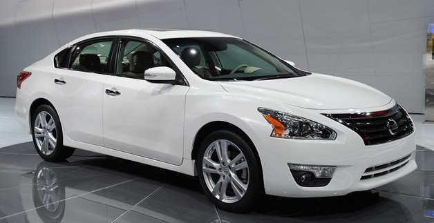 2013 Nissan Altima - live on NY Auto Show floor