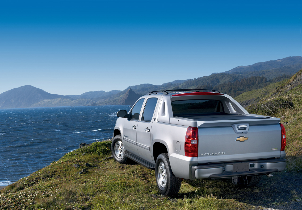 gm announces end of chevy avalanche with black diamond edition autoblog. Black Bedroom Furniture Sets. Home Design Ideas