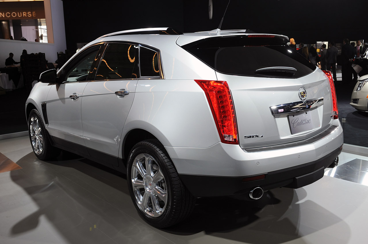 cadillac srx likely to see next gen built in china autoblog. Black Bedroom Furniture Sets. Home Design Ideas