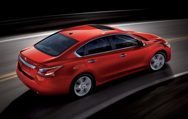 All-New 2013 Nissan Altima Tops Mid-Size Sedan Class in Style, Fuel
