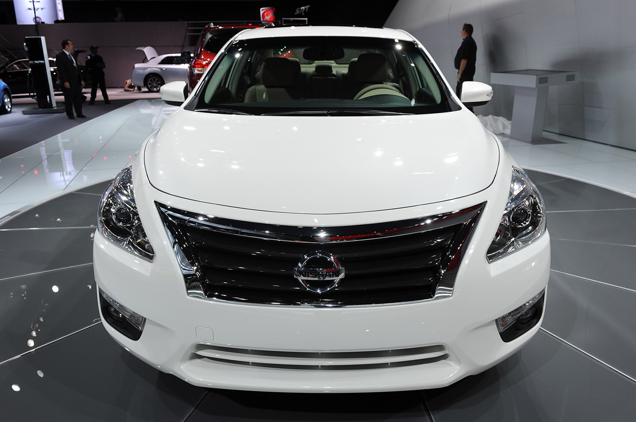 2013 nissan altima new york 2012 photo gallery autoblog. Black Bedroom Furniture Sets. Home Design Ideas