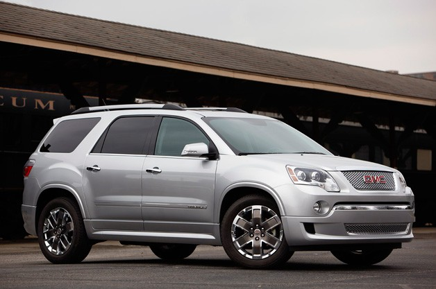 2011 GMC Acadia Denali front three-quarter