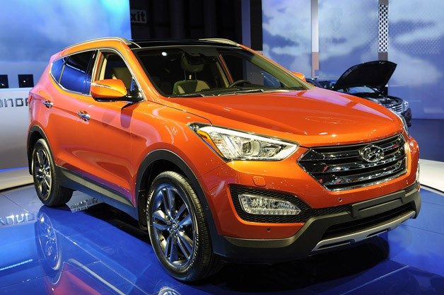 2013 Hyundai Santa Fe goes on big diet, unveils five and seven