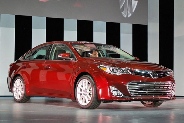 2013 Toyota Avalon - live New York Auto Show reveal