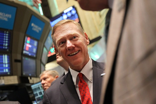 alan-mulally-at-stock-exchange.jpg