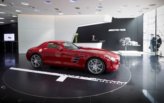 Mercedes benz opens world 39 s first amg only dealership in for Mercedes benz car dealerships