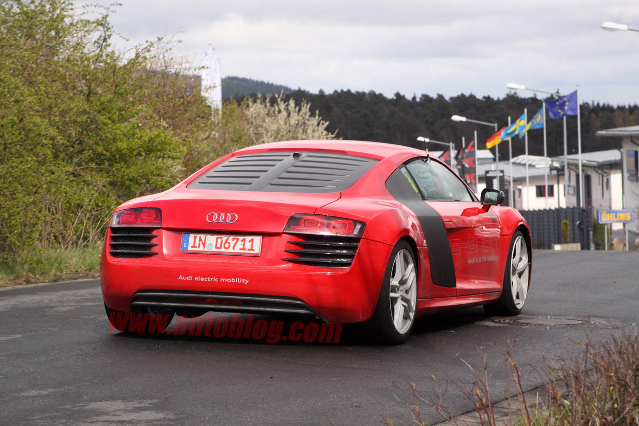 audi r8 e tron caught lapping n rburgring photo gallery autoblog. Black Bedroom Furniture Sets. Home Design Ideas