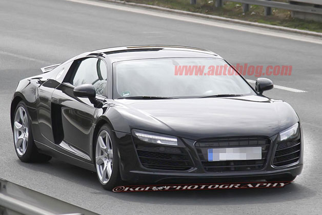 Refreshed Audi R8 spy shots