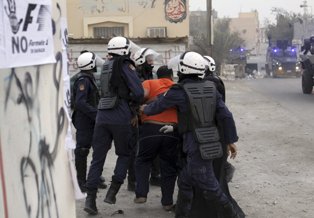 Bahrain F1 protests turn violent