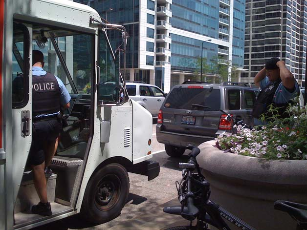 Gaztro-Wagon food truck gets a visit from Chicago PD