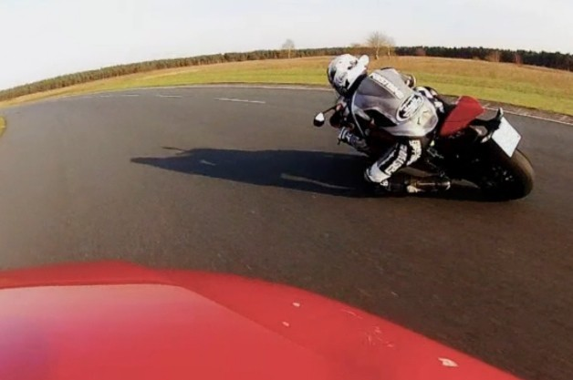 Ducati 1199 Panigale versus Audi TT RS