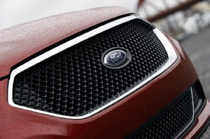 2013 Ford Taurus SHO grille