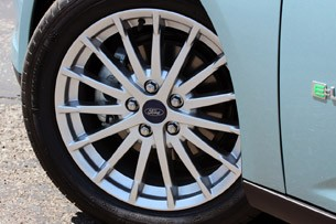 2012 Ford Focus Electric wheel