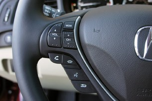 2013 Acura ILX steering wheel controls