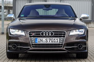 2013 Audi S7 front view