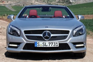 2013 Mercedes SL550 front view