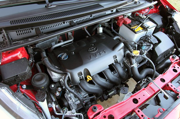2012 Toyota Yaris SE engine