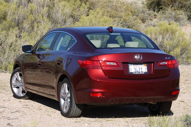 2013 Acura ILX rear 3/4 view