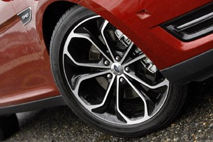 2013 Ford Taurus SHO wheel