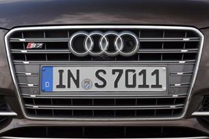 2013 Audi S7 grille
