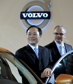 Li Shufu and Stefan Jacoby of Volvo