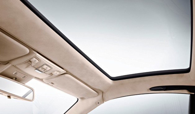 Magic Sky Control roof panel by Mercedes-Benz