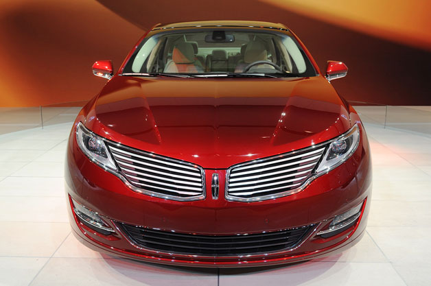 2013 Lincoln MKZ - dead-on front view live at New York Auto Show reveal