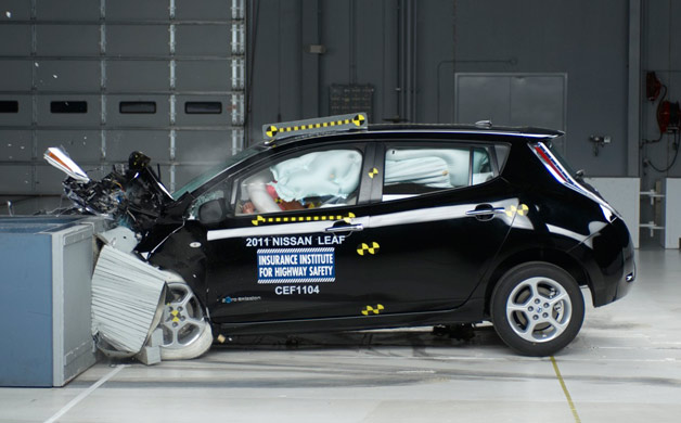 2011 Nissan Leaf undergoing IIHS crash test