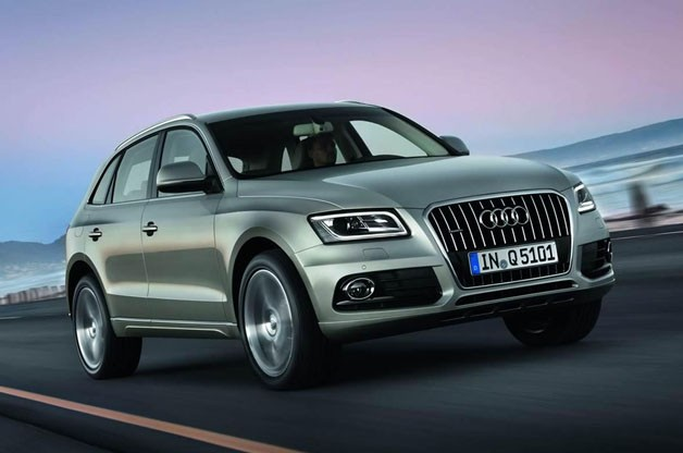 2013 Audi Q5 - front three-quarter view at speed