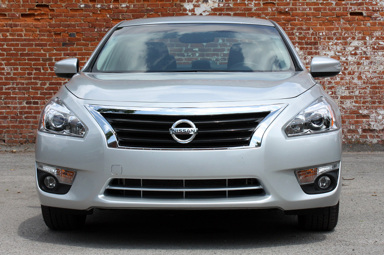 2013 nissan altima first drive photo gallery autoblog. Black Bedroom Furniture Sets. Home Design Ideas