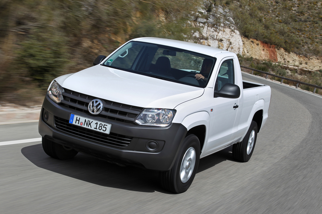 volkswagen seriously considering amarok pickup for canada. Black Bedroom Furniture Sets. Home Design Ideas